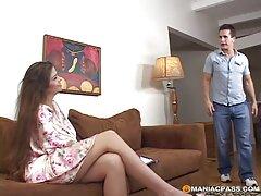 شخص فیلم می کند که چگونه كانال سكسي تلكرام او همسرش را لوس می کند