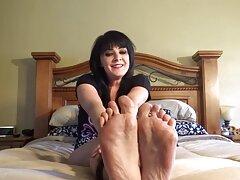 یک كانال هاي تلگرام سكسي برادر باتجربه یک خواهر قابل دسترسی را روی تخت دراز کرد