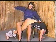 دختر با اشتیاق آلت تناسلی زن را به آرامش زن می كانال هاي سكسي گراند