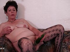 مادر دختر كانال گيفت سكسي را برای آموزش جنسی نزد پدر آورد