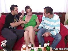 مارشا دوست خود را ترغیب کرد که با او كانال سكسي در تلكرام رابطه لزبین داشته باشد