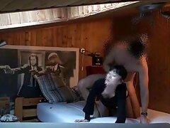 دختر انعطاف پذیر در جوراب شلواری نایلونی پسر كانال سكسي در تلگرام را با دست خودارضایی می کند